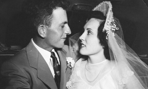 Harold D. marries Jeanne Kueny